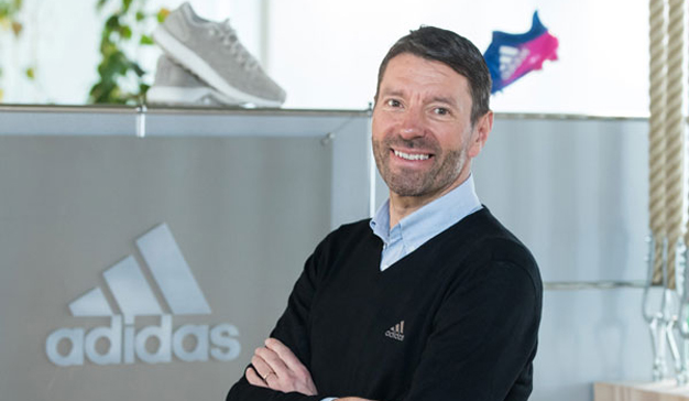 Por qué el CEO de Adidas ha metido la pata hasta el fondo con su all-in en digital