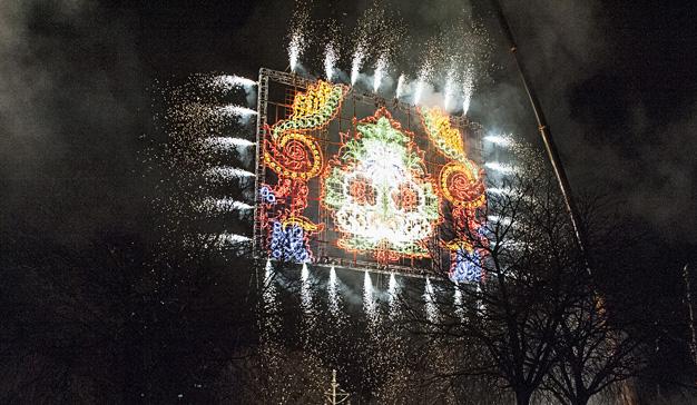 Amstel homenajea la tradición sedera valenciana en Fallas con el #MovimientoEspolín