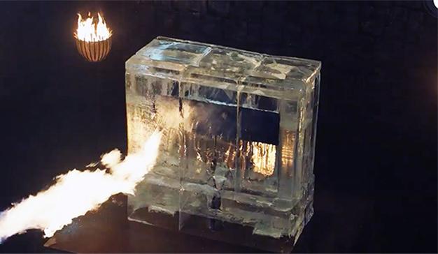 HBO anuncia el estreno de Juego de Tronos derritiendo un gran cubo de hielo