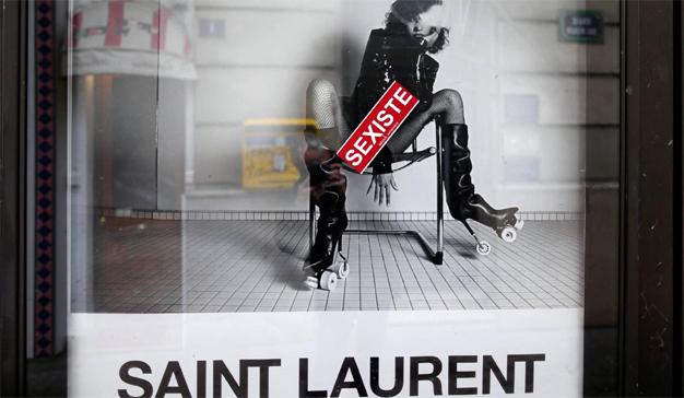 París saca tarjeta roja a la publicidad sexista en las calles