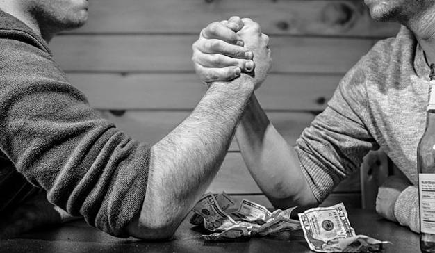 """Agencias vs. Consultoras: el pulso del """"y yo más"""" ha comenzado"""