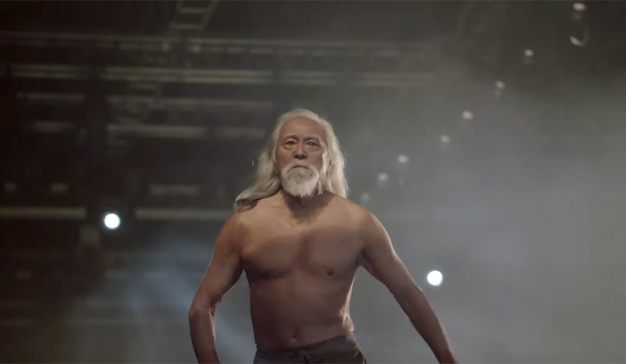 El abuelo más sexy de China presume de pectorales en este inspirador anuncio de Reebok
