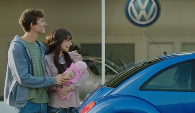 Los bebés no los trae la cigüeña, los trae Volkswagen (así lo sugiere al menos este spot)
