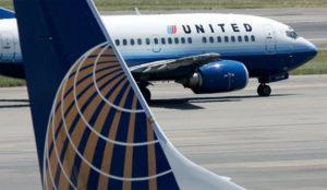 United Airlines asegura que renunciará a los agentes de seguridad en vuelos con
