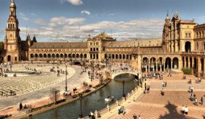 Amazon elige la Plaza España de Sevilla para instalar una biblioteca gigante