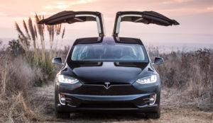 Tesla es ya la compañía automovilística más valiosa de EE.UU. (y hace morder el polvo a GM)