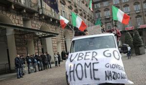 Uber, prohibido en Italia por competencia desleal