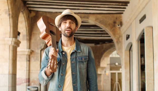 """David Otero y Amstel Radler lanzan el videoclip oficial de """"Sal a la calle"""""""