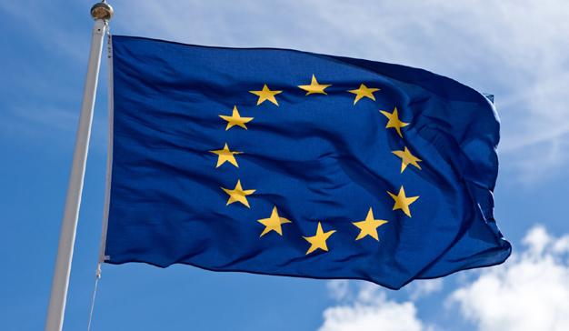 La UE plantea obligar a Facebook, Twitter y YouTube a que eliminen los vídeos que incitan al odio