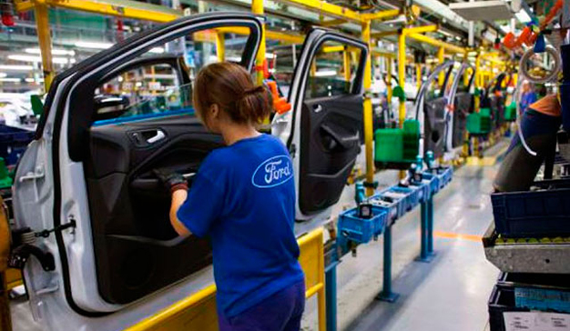 Ford quiere eliminar 1.400 puestos de trabajo para