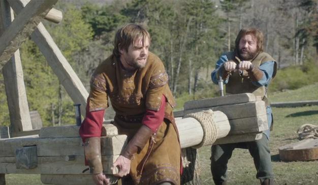En el medievo IKEA (o algo parecido) fabricaba catapultas, según este chistoso spot de KitKat