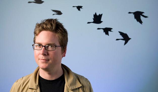 Biz Stone, cofundador de Twitter, regresa a la red social y la bolsa estalla en júbilo