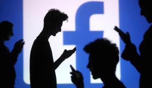 Facebook no protege por igual a todos sus usuarios ante ataques racistas o de odio
