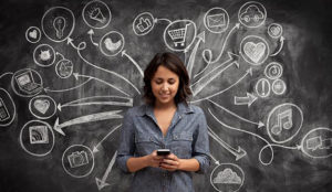 Las mujeres españolas, las más aficionadas al comercio online de Europa