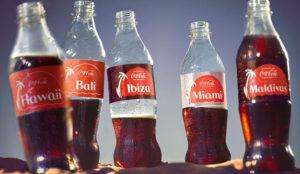 Coca-Cola promociona 15 destinos turísticos españoles en sus envases personalizados