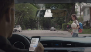Este escalofriante anuncio lucha contra el uso del teléfono móvil al volante