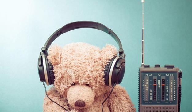 Radio online: celebrada por los oyentes, maltratada por la FM