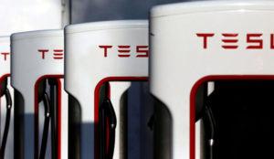 El Corte Inglés se asocia con Tesla para instalar cargadores en sus centros