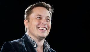 El valor sentimental hace desembolsar a Elon Musk 5 millones de dólares por el dominio X.com