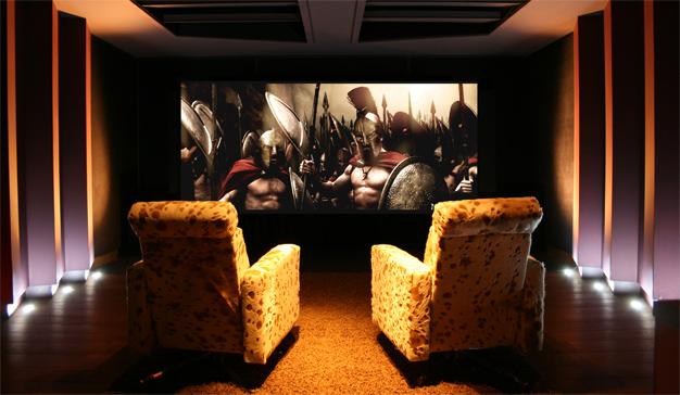 7 básicos para montar un home cinema en el salón de casa y disfrutarlo este verano