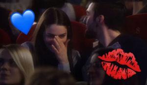 A oscuras (y en el cine) los besos saben mucho más sabrosos, según esta simpática campaña