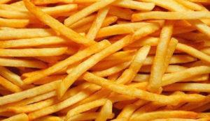 En formato grande, para cenar y con salsa kétchup: Así prefieren las patatas fritas los españoles