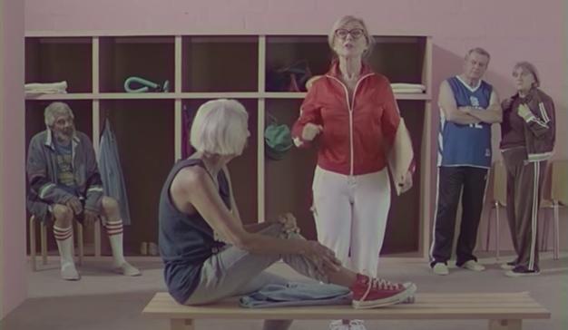 Educación sexual para nuestros mayores de la mano de Pornhub (y su campaña en VHS)
