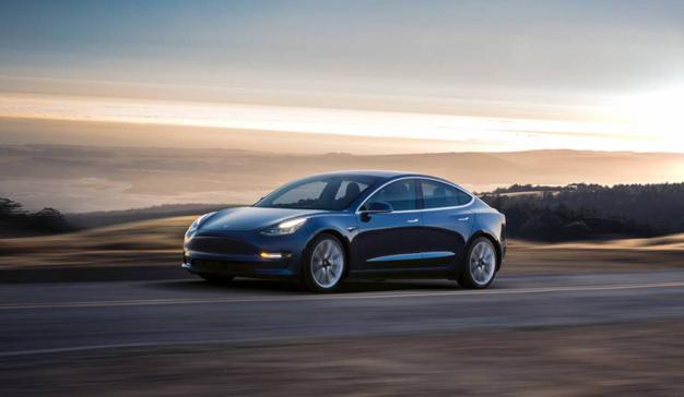 El Model 3 de Tesla no es tan barato como le han hecho creer y aquí está la