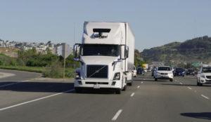 Uber adelanta a Google y Tesla con su camión autónomo
