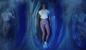Kendall Jenner encarna a una sexy y futurista Venus de Boticelli en este spot de Adidas
