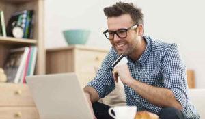 Los españoles gastan de media 109,62 euros en su compra online