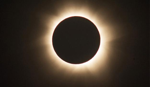 7 marcas que trataron de eclipsar al Sol (y no todas lo consiguieron)