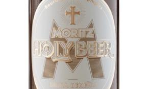 Moritz Holly Beer protege a los asistentes de la mordedura Drácula