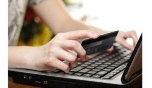 Los millennials españoles utilizan como método de pago la tarjeta bancaria o el móvil para el 80% de sus gastos
