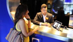 Room Mate Hotels, primera cadena en implementar un sistema para personas sordas