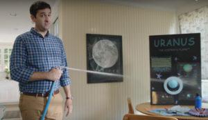 Este divertido anuncio quiere extender el uso de los inodoros japoneses en Estados Unidos