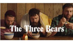 Esta marca de miel hace su propia versión del cuento de Ricitos de Oro con tres hombres gays