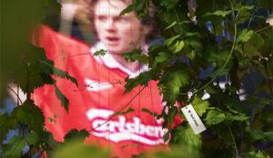 Carlsberg o cómo cultivar lúpulo a grito pelado (gracias a los forofos del Liverpool FC)