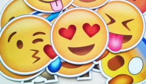 Dinosaurios, tartas y sirenas en los nuevos emojis del iOS 11.1 de Apple