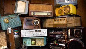 La radio no estaba muerta, estaba en internet: el 74% de los internautas es oyente de radio