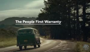 Volkswagen se inspira en los 60 para anunciar su People First Warranty