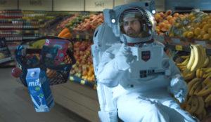 Aldi abre un supermercado en el espacio en este galáctico anuncio