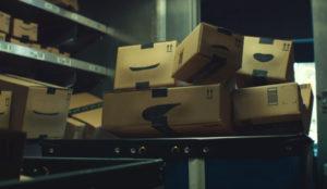 Unas simpáticas cajas hacen gorgoritos al ritmo de Supertramp en este spot de Amazon