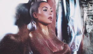 Kim Kardashian o cómo vender cosméticos como churros quitándose la ropa
