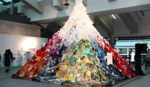 Una central eléctrica sueca utiliza ropa descartada de H&M para reemplazar el carbón
