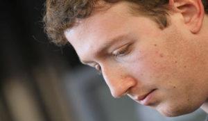 Facebook busca agencia para salir de su crisis reputacional a golpe de publicidad