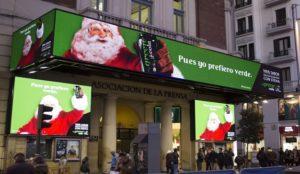 Papá Noel se pasa al verde en esta rompedora campaña de Green Cola