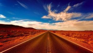 Las dos cosas importantes a la hora de planear un viaje: un destino y un transporte