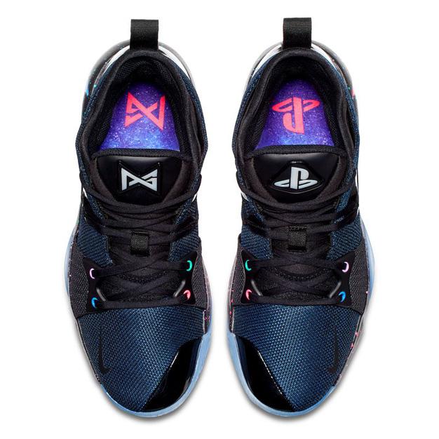 emoción amortiguar pedir  Nike y PlayStation lanzan unas zapatillas de edición limitada | Marketing  Directo