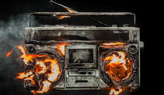 La radio salva vidas, pero ¿quién salva a la radio?